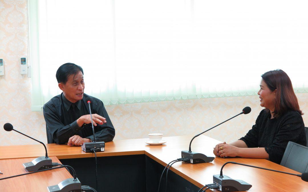 เมื่อวันที่ 31 พฤษภาคม 2560 ผู้ช่วยศาสตราจารย์จรูญ   ถาวรจักร์ อธิการบดีมหาวิทยาลัยราชภัฏสุรินทร์